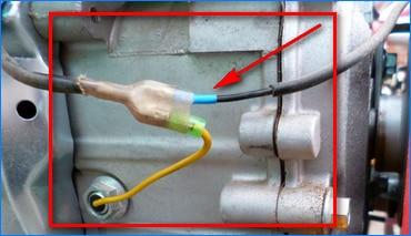 Проверьте провод, идущий от кнопки включения до свечи зажигания