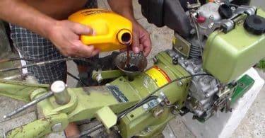 Нужно ли добавлять масло в бензин для мотоблока?