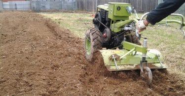 Мотоблок для обработки земли