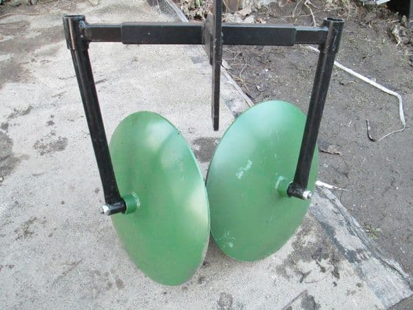 Дисковый окучник из газового баллона