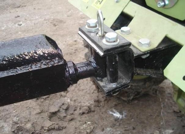 Сцепное устройство для прицепа мотоблока