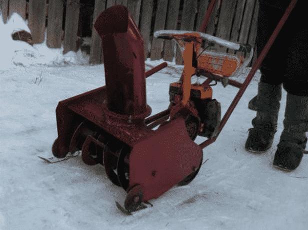 Снегоуборщик из бензопилы Штиль (Урал, Дружба)