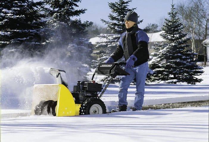 Электрический снегоуборщик ил бензиновый снегоуборщик?